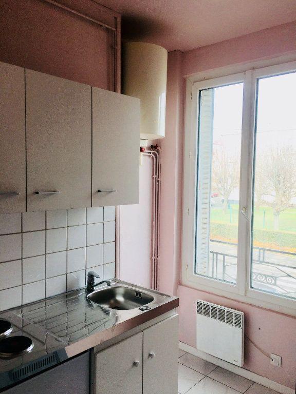 Appartement à louer 1 22m2 à Goussainville vignette-3