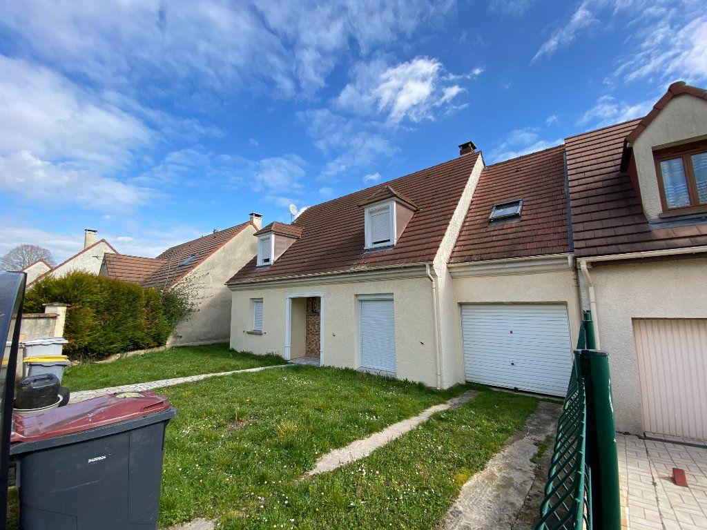 Maison à vendre 6 113m2 à Goussainville vignette-1