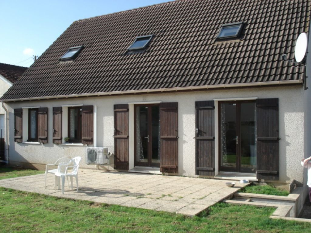 Maison à vendre 8 130m2 à Goussainville vignette-1