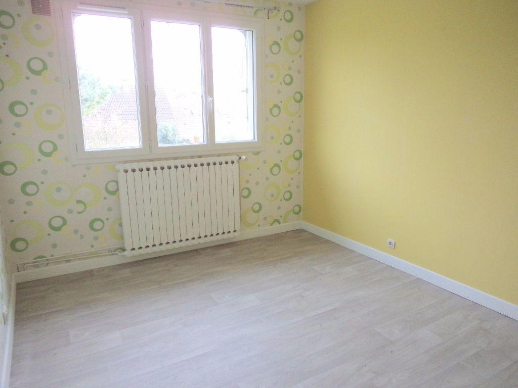Appartement à louer 3 66.85m2 à Goussainville vignette-3