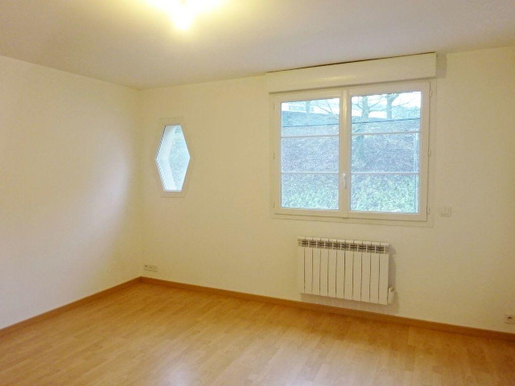Appartement à louer 3 44m2 à Marly-la-Ville vignette-2