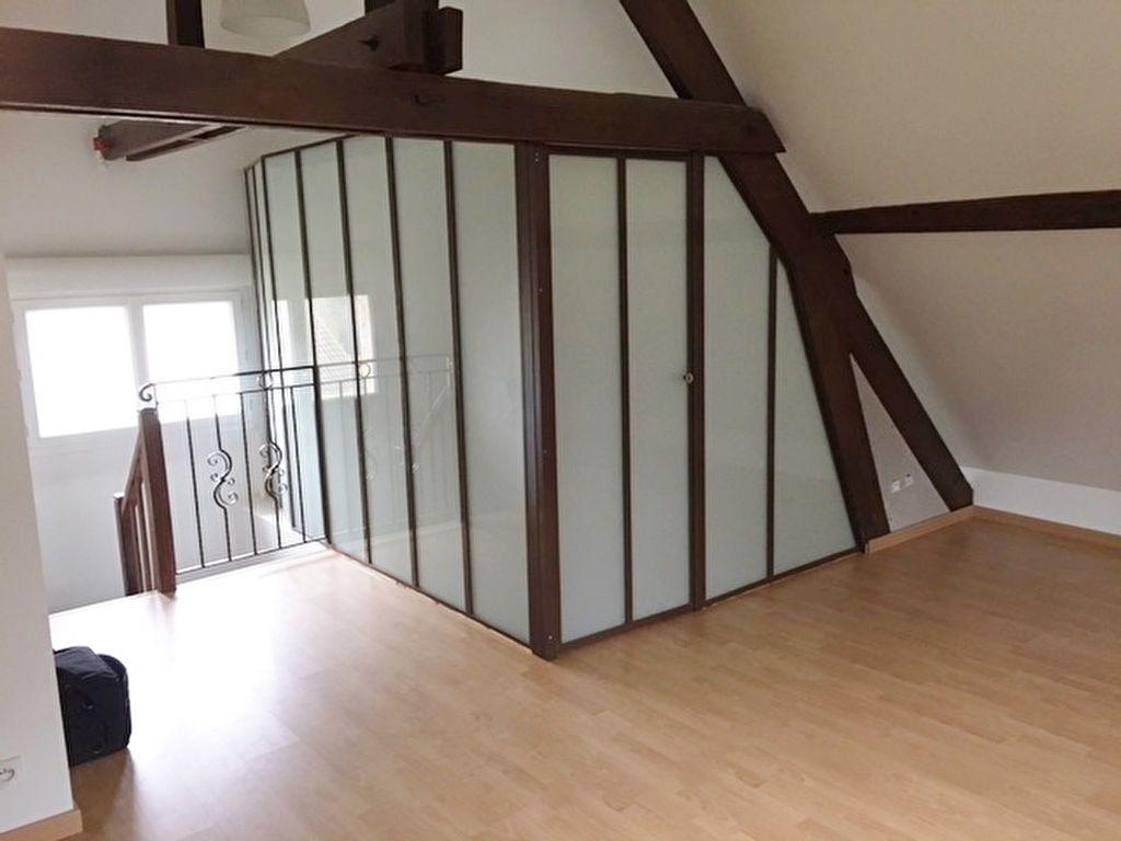 Appartement à louer 2 30.75m2 à Marly-la-Ville vignette-2