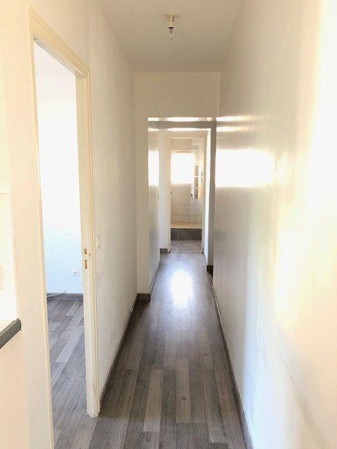 Appartement à louer 3 52.84m2 à Goussainville vignette-4