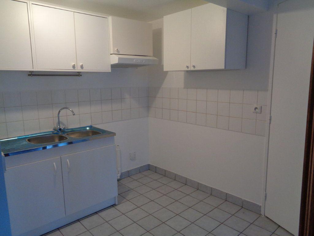 Appartement à louer 2 54.83m2 à Goussainville vignette-2