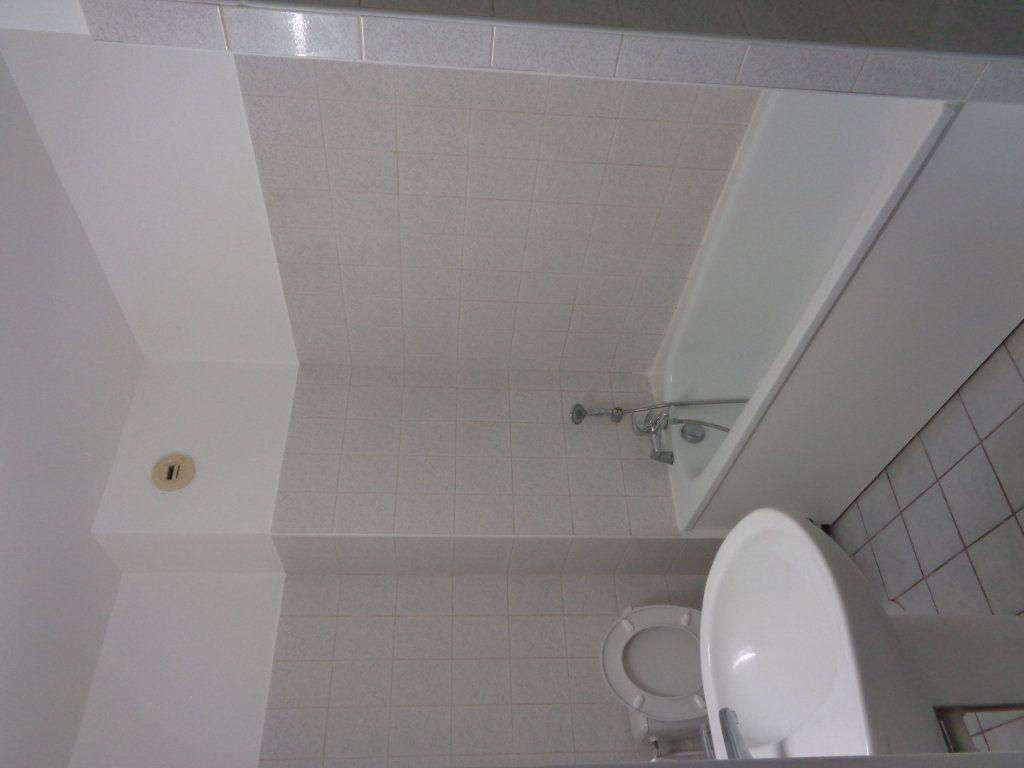 Appartement à louer 2 54.83m2 à Goussainville vignette-4