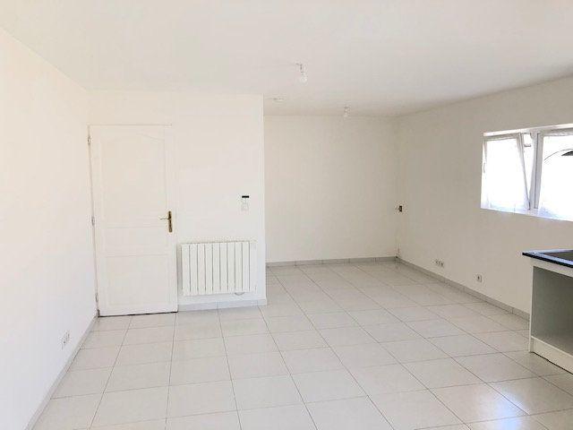 Appartement à louer 1 31.66m2 à Le Thillay vignette-2