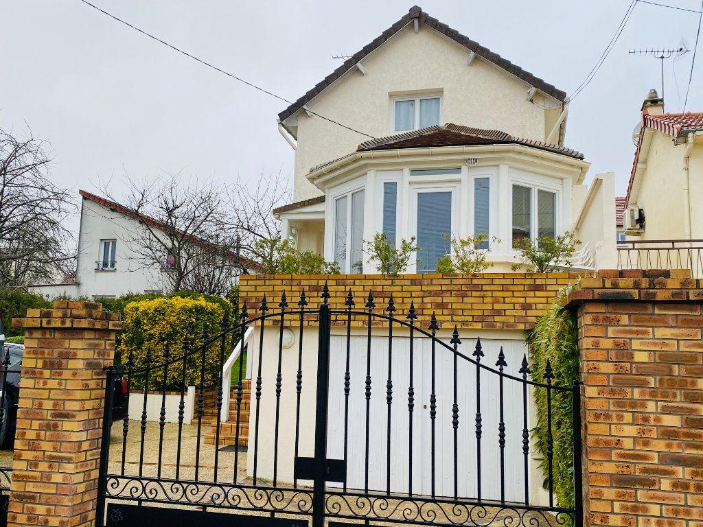Maison à vendre 7 135m2 à Goussainville vignette-3