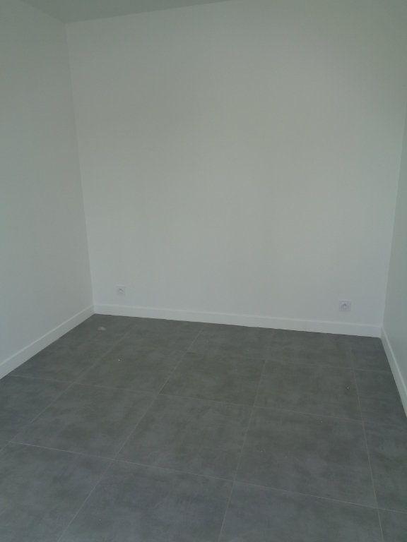 Appartement à louer 2 39.76m2 à Fosses vignette-3