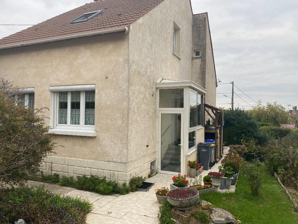 Maison à vendre 5 120m2 à Goussainville vignette-1
