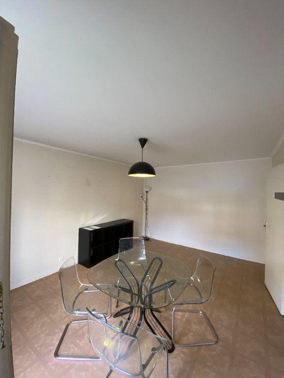 Appartement à louer 1 31.08m2 à Roissy-en-France vignette-2