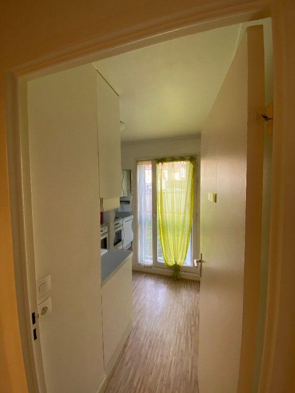 Appartement à louer 1 31.08m2 à Roissy-en-France vignette-3