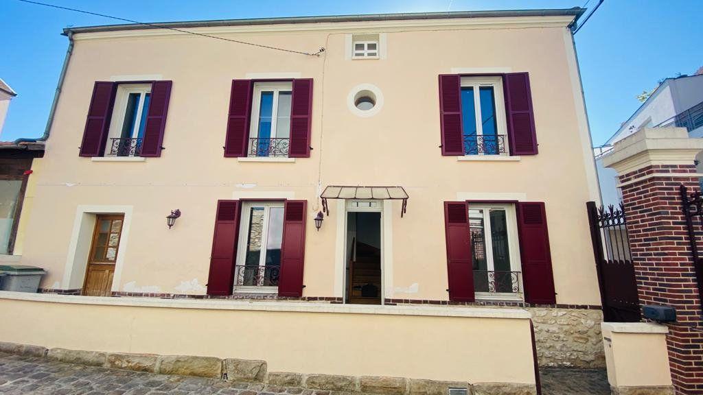 Maison à louer 6 138m2 à Gonesse vignette-2
