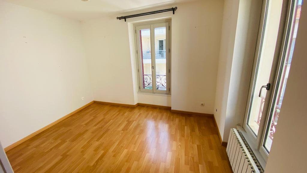 Maison à louer 6 138m2 à Gonesse vignette-8