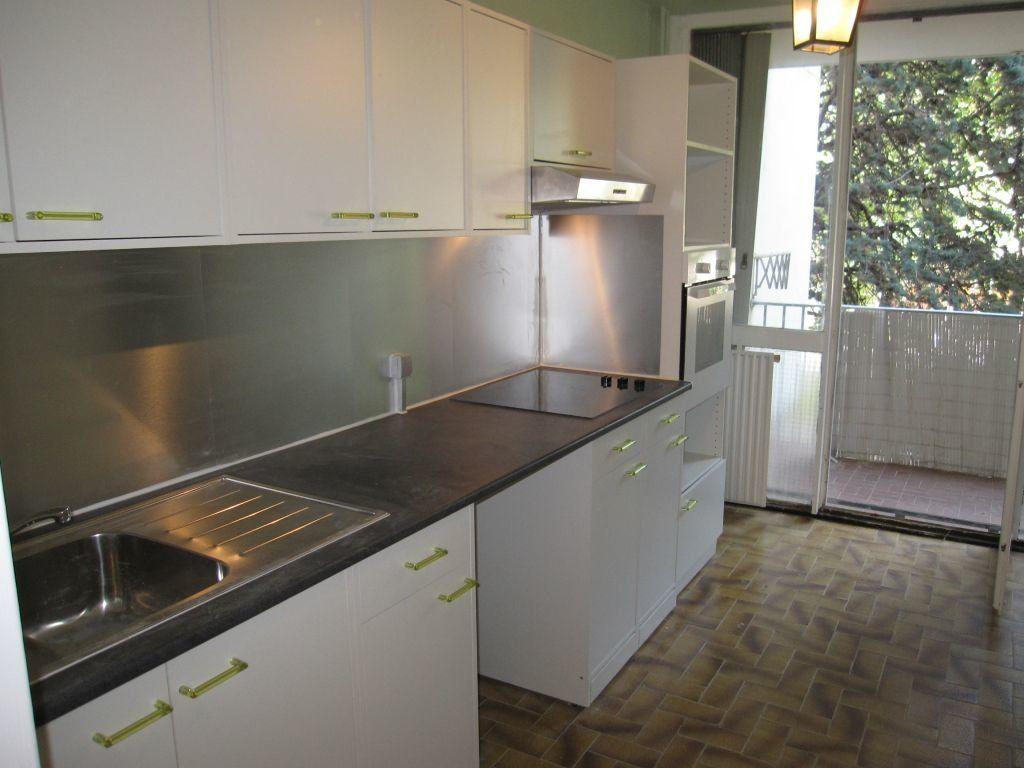 Appartement à louer 4 79.25m2 à Montpellier vignette-3