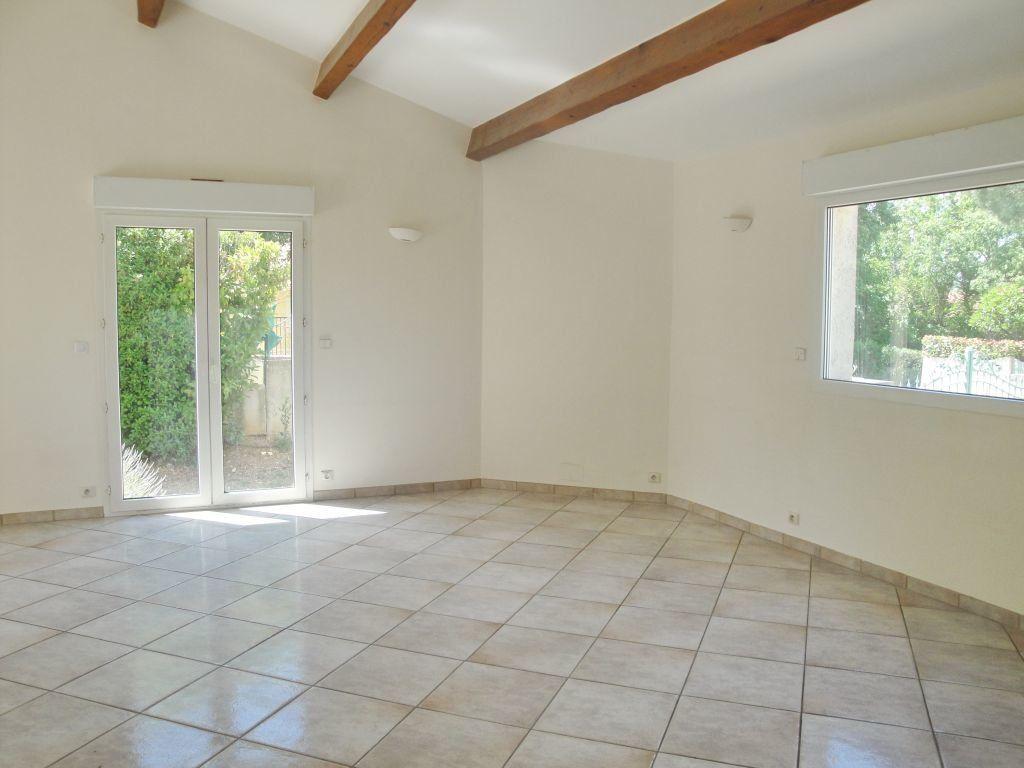 Maison à louer 5 144.71m2 à Saint-Aunès vignette-5