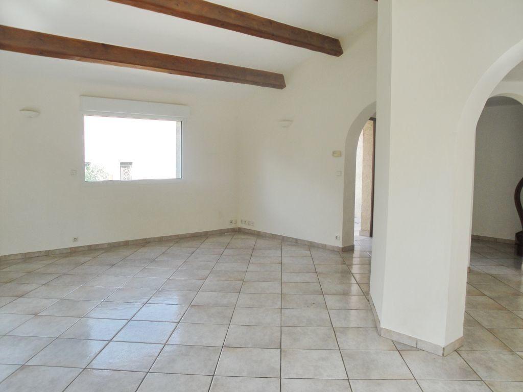 Maison à louer 5 144.71m2 à Saint-Aunès vignette-7