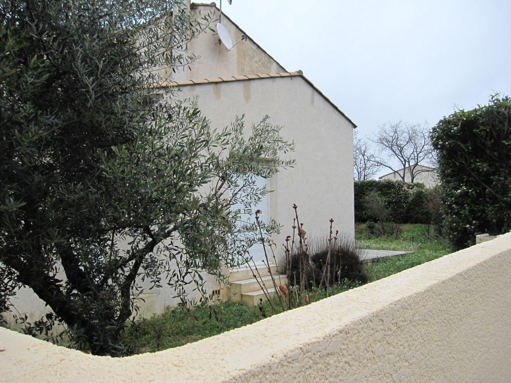 Maison à louer 5 144.71m2 à Saint-Aunès vignette-8