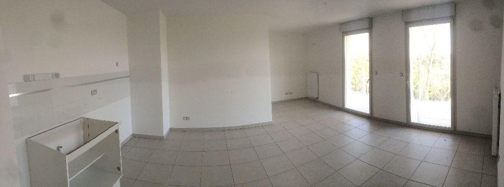 Appartement à louer 3 59.9m2 à Montpellier vignette-2