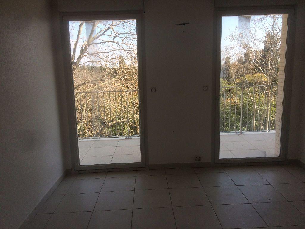 Appartement à louer 3 59.9m2 à Montpellier vignette-4