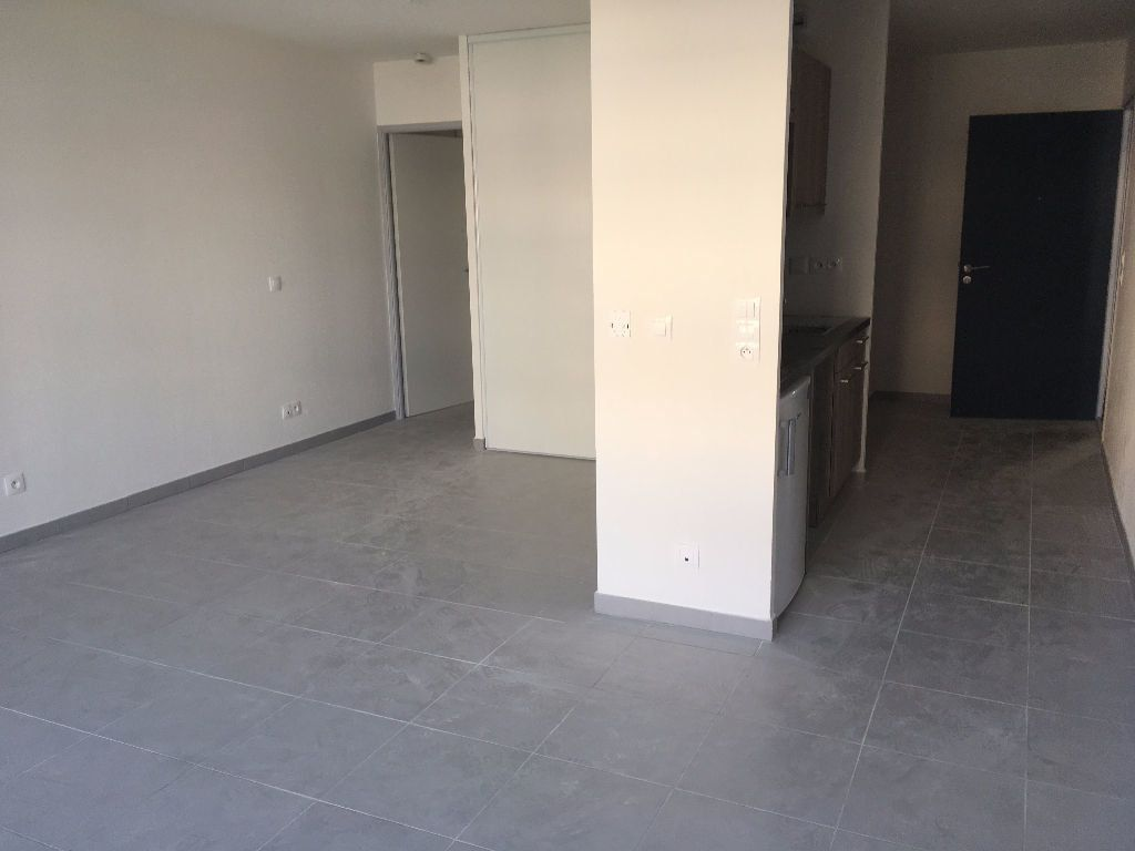 Appartement à louer 1 36.5m2 à Castelnau-le-Lez vignette-2