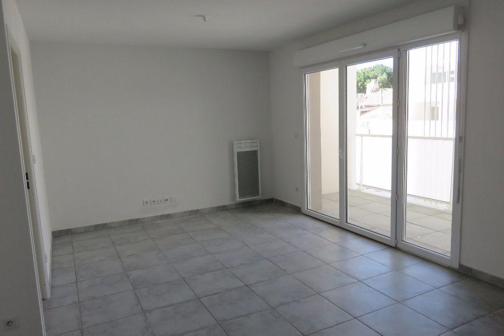 Appartement à louer 2 37.23m2 à Castelnau-le-Lez vignette-2
