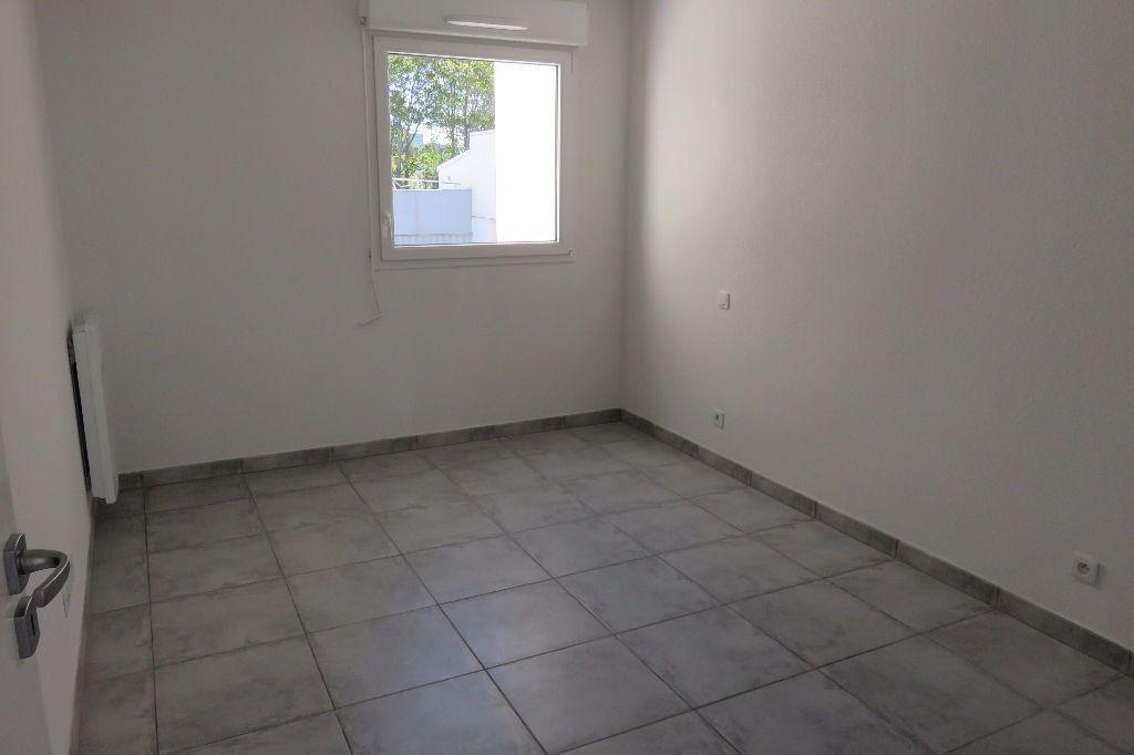 Appartement à louer 2 37.23m2 à Castelnau-le-Lez vignette-4