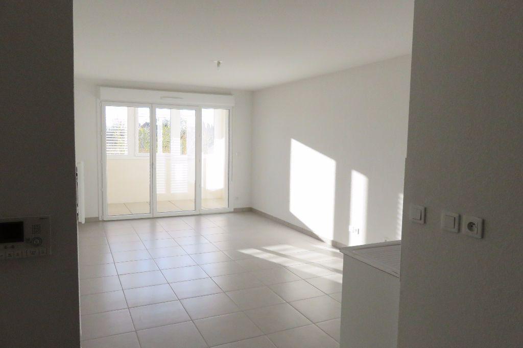 Appartement à louer 2 43.46m2 à Castelnau-le-Lez vignette-4