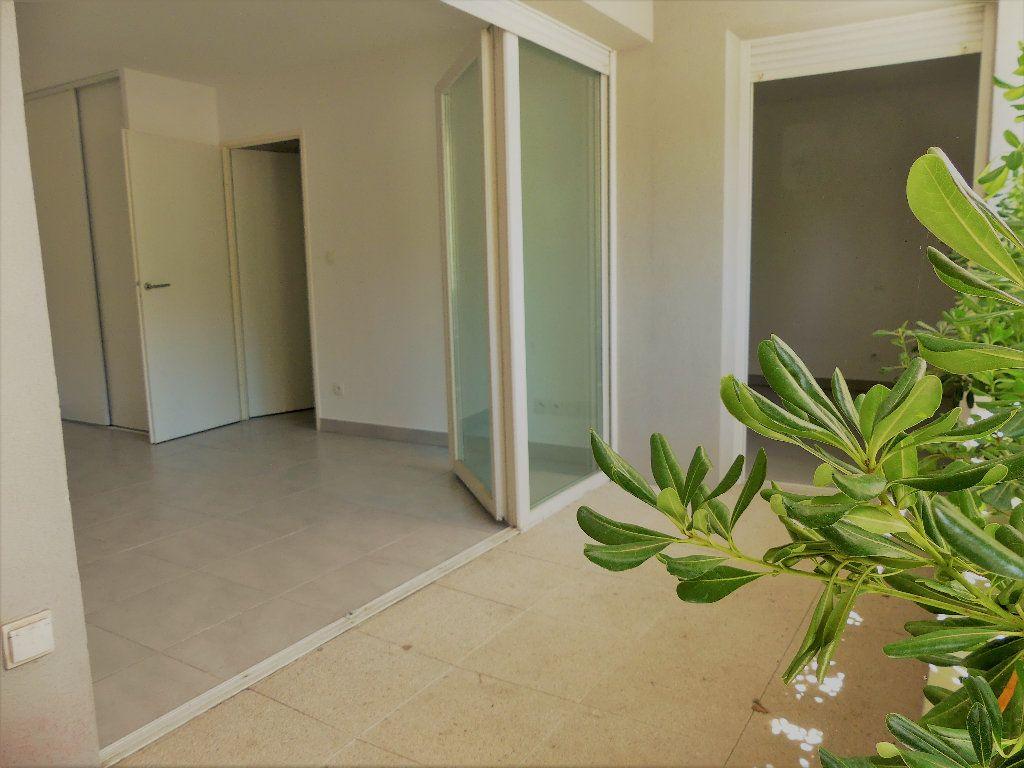 Appartement à louer 2 40.16m2 à Castelnau-le-Lez vignette-2