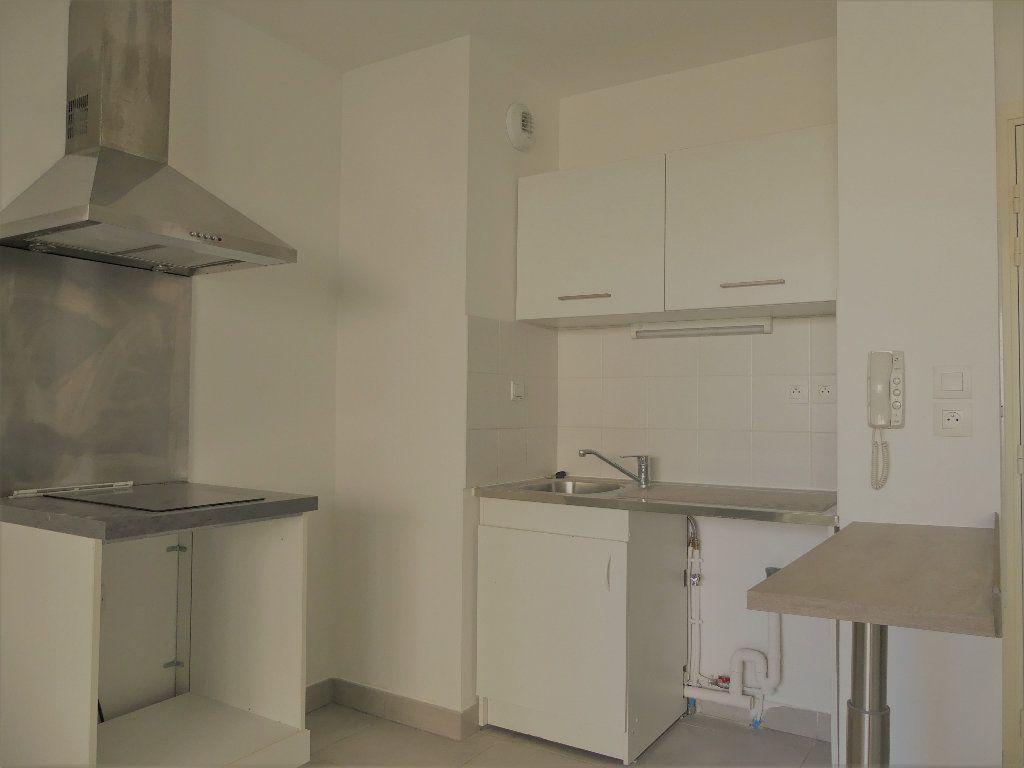 Appartement à louer 2 40.16m2 à Castelnau-le-Lez vignette-4