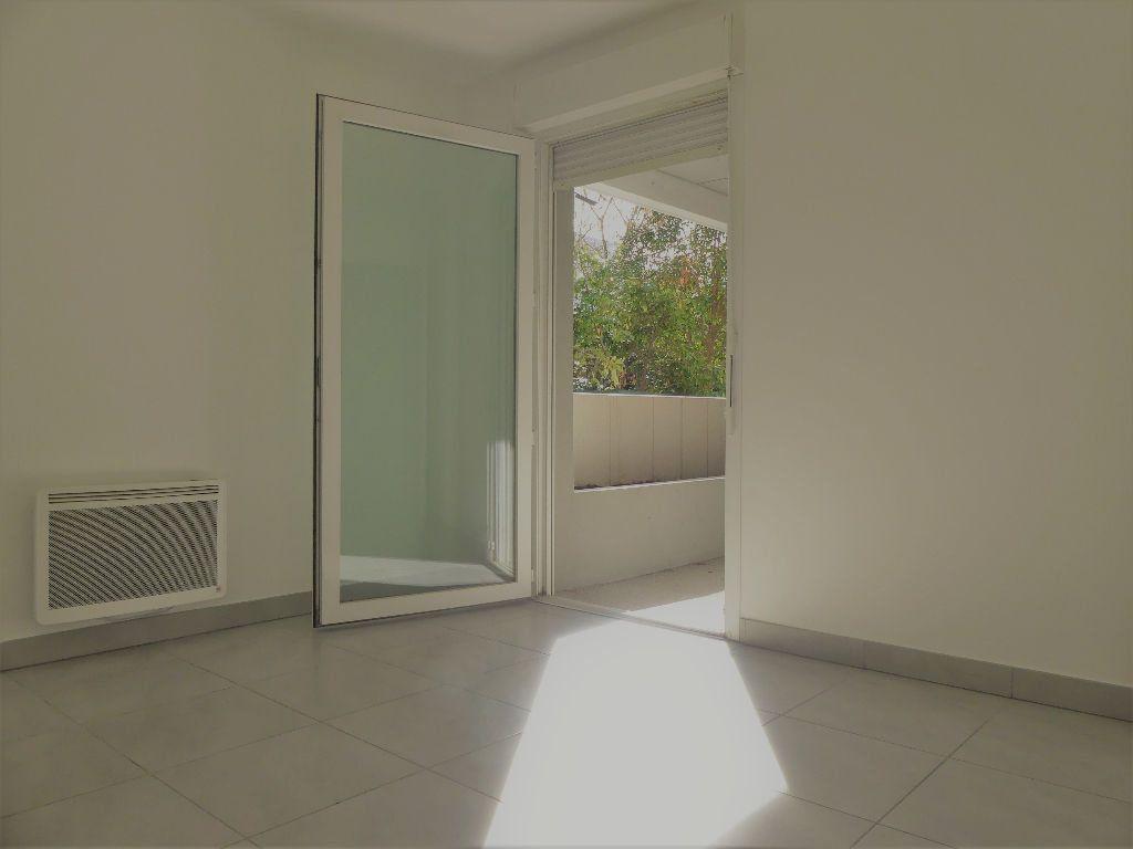 Appartement à louer 2 40.16m2 à Castelnau-le-Lez vignette-5