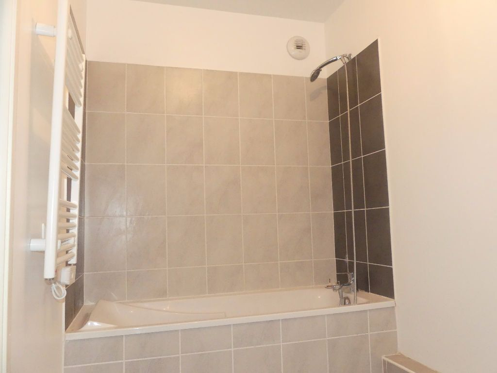 Appartement à louer 2 40.16m2 à Castelnau-le-Lez vignette-6