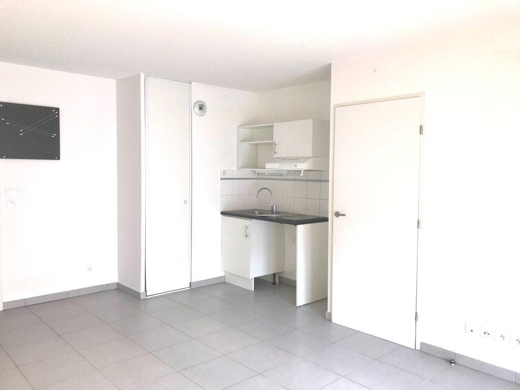 Appartement à louer 2 39.88m2 à Castelnau-le-Lez vignette-2