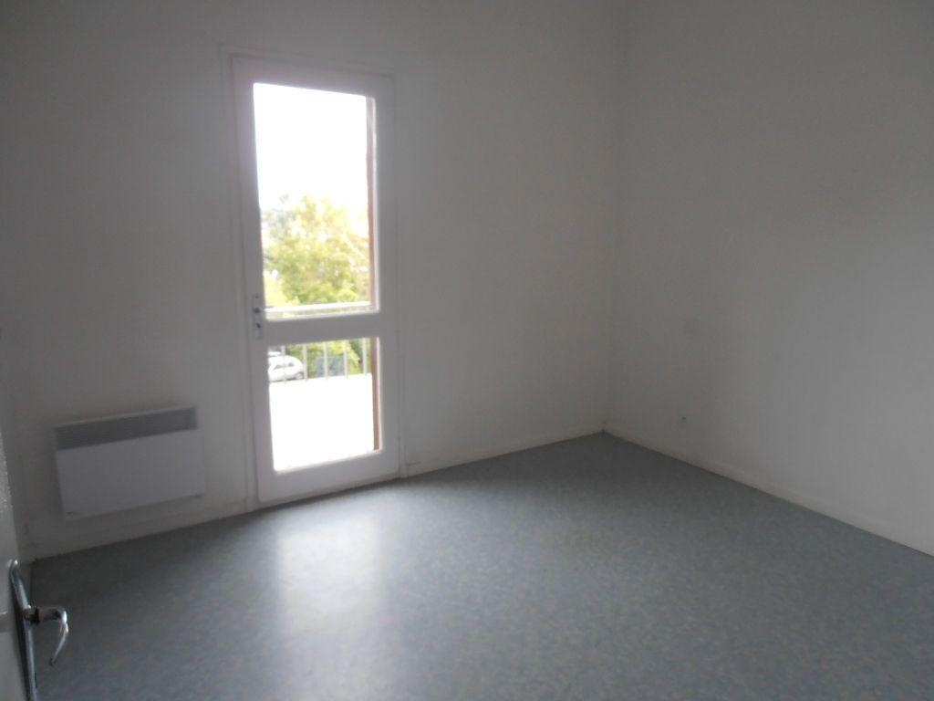 Appartement à louer 3 71m2 à Prades vignette-3