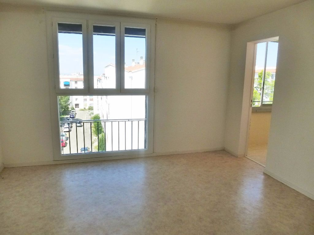 Appartement à louer 3 59.47m2 à Perpignan vignette-2