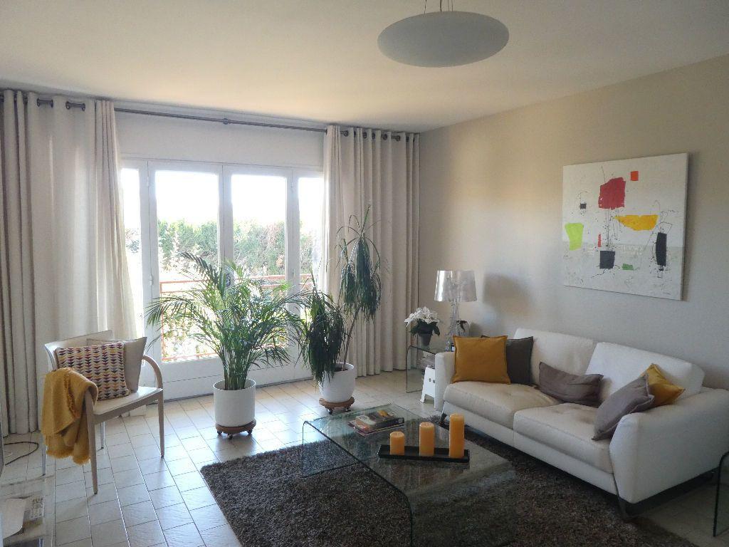 Appartement à louer 2 57m2 à Prades vignette-2