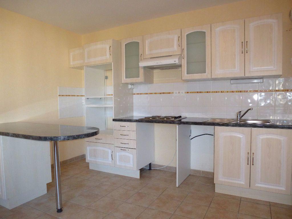 Appartement à louer 3 55.98m2 à Perpignan vignette-3