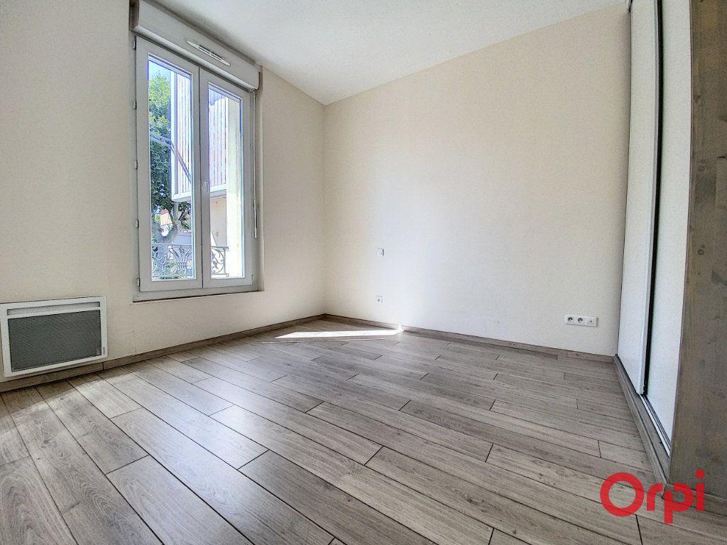 Appartement à louer 3 70.15m2 à Perpignan vignette-6