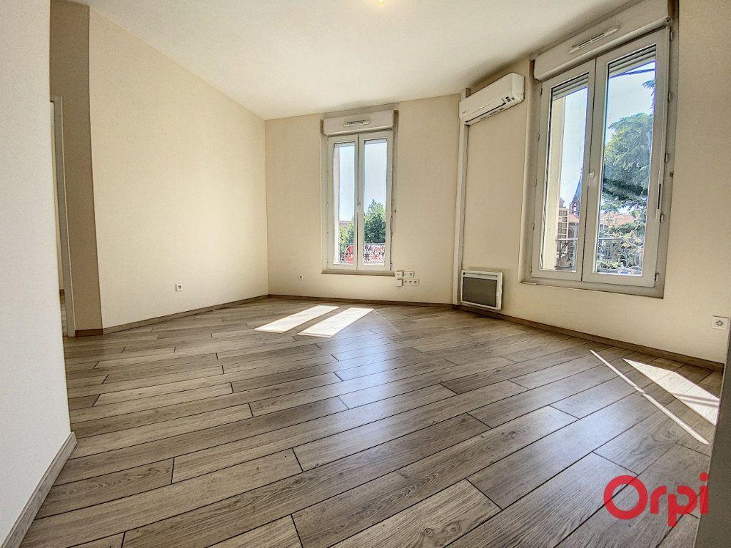 Appartement à louer 3 70.15m2 à Perpignan vignette-7