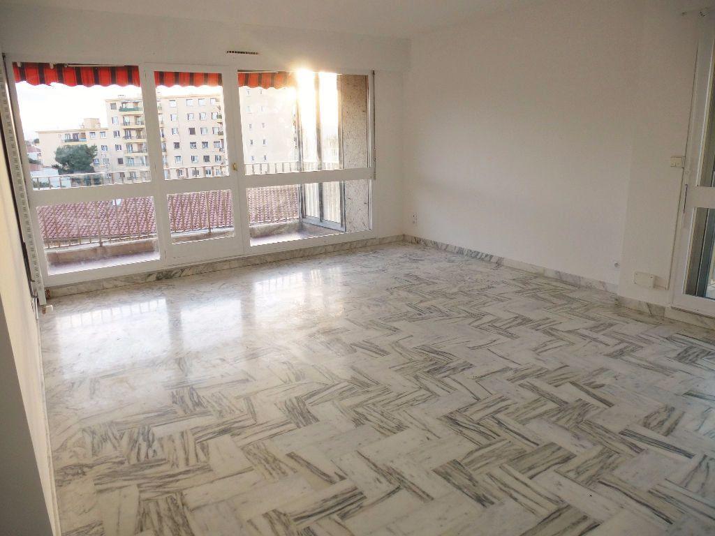 Appartement à louer 4 92.28m2 à Perpignan vignette-1