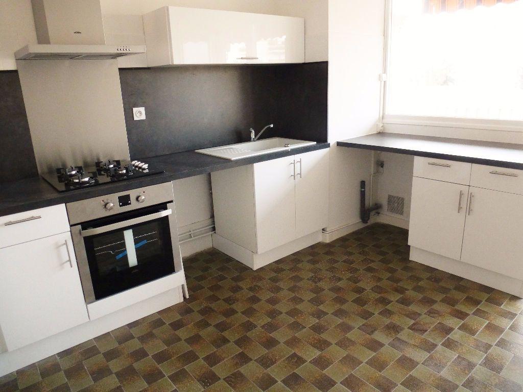 Appartement à louer 4 92.28m2 à Perpignan vignette-2