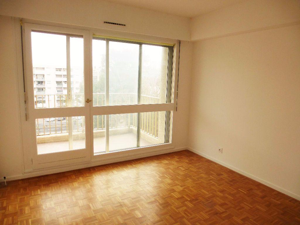 Appartement à louer 4 92.28m2 à Perpignan vignette-4