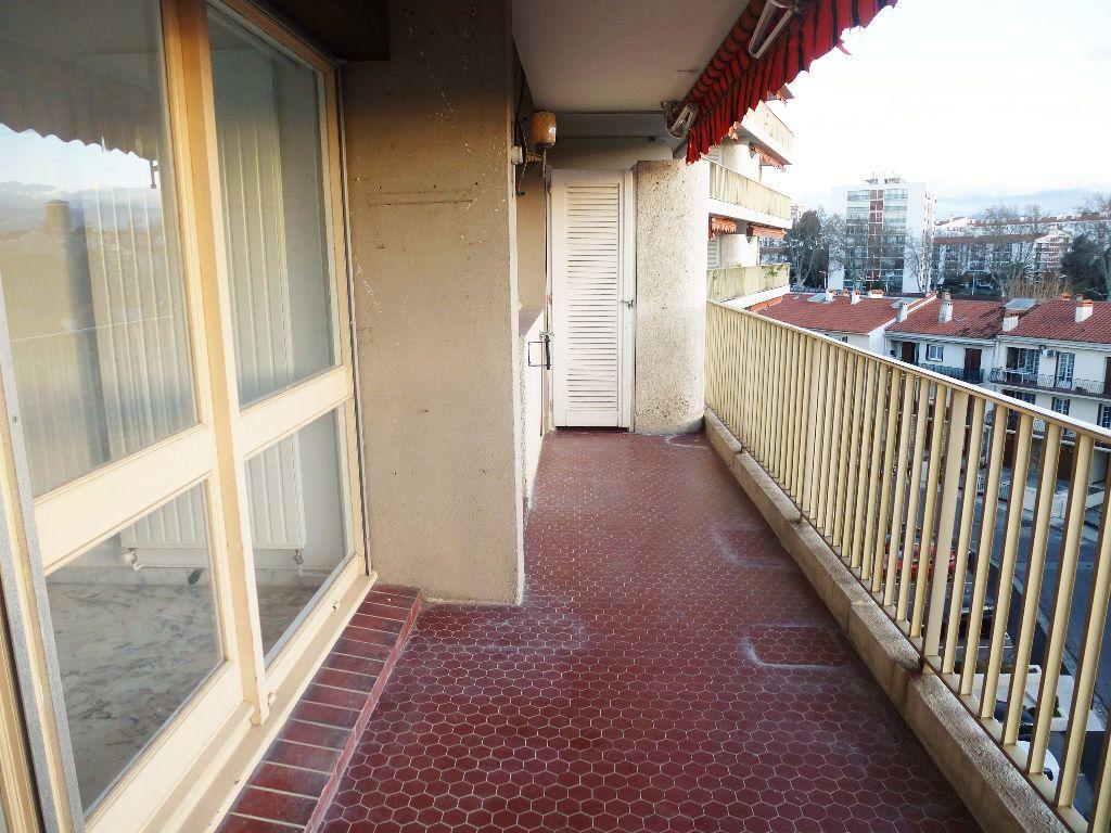 Appartement à louer 4 92.28m2 à Perpignan vignette-7