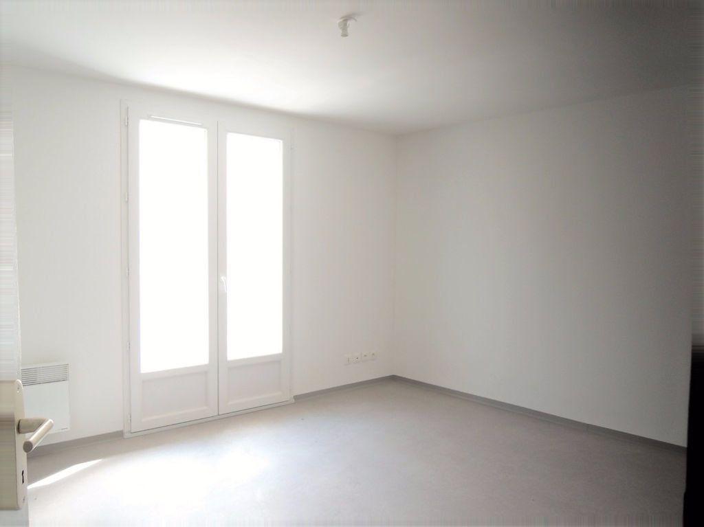 Appartement à louer 3 80.6m2 à Prades vignette-3