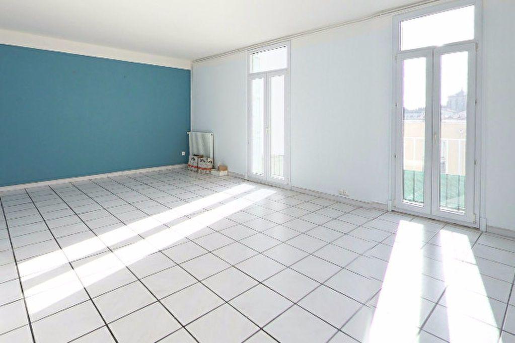 Appartement à louer 4 104.35m2 à Perpignan vignette-1