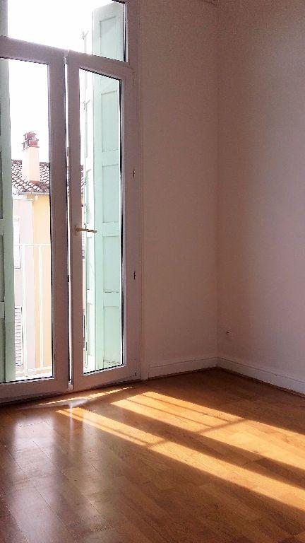 Appartement à louer 4 104.35m2 à Perpignan vignette-3