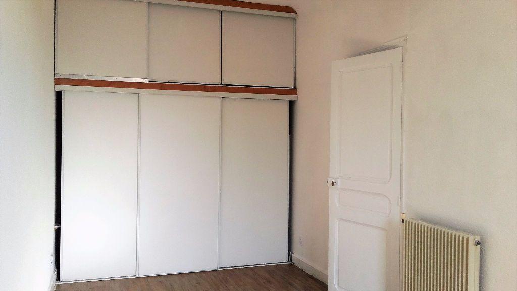 Appartement à louer 4 104.35m2 à Perpignan vignette-5