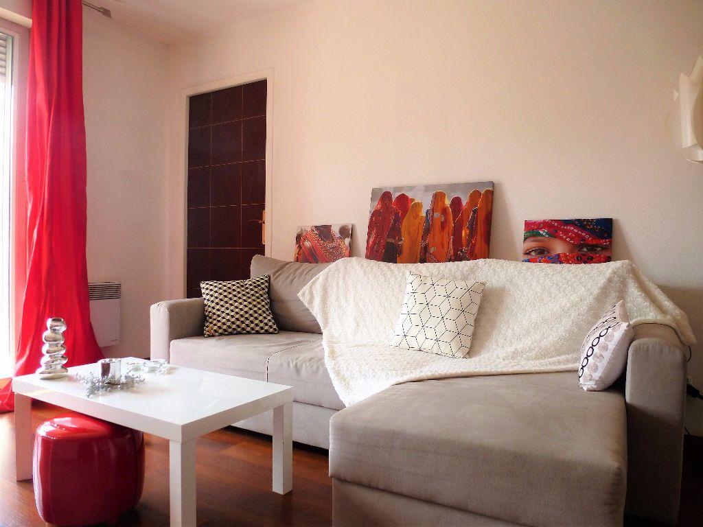 Appartement à louer 2 32.3m2 à Perpignan vignette-2