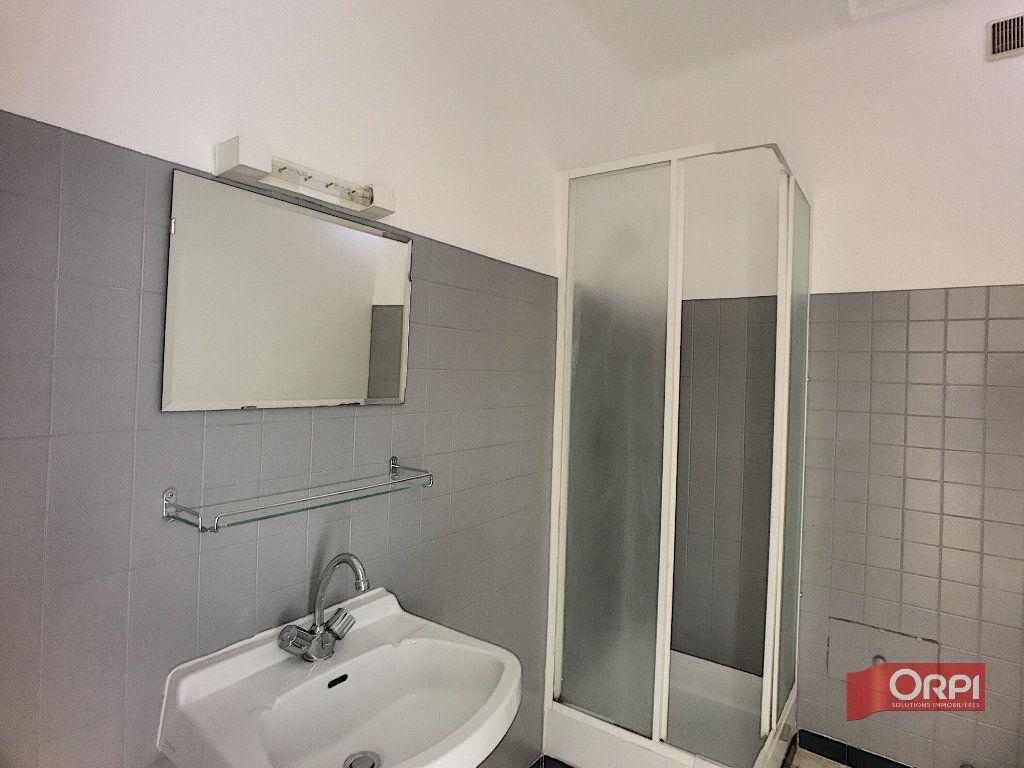 Appartement à louer 2 51m2 à Prades vignette-2