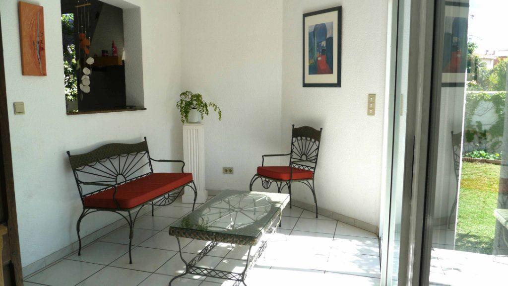 Maison à louer 5 140.95m2 à Perpignan vignette-7