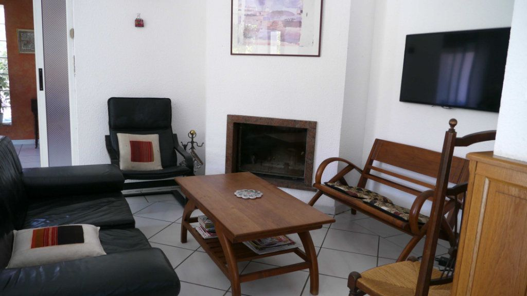 Maison à louer 5 140.95m2 à Perpignan vignette-8